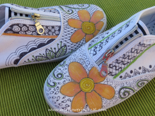 Ideas for flower art on white canvas shoes a fun summer craft for all ages-myflowerjournal.com